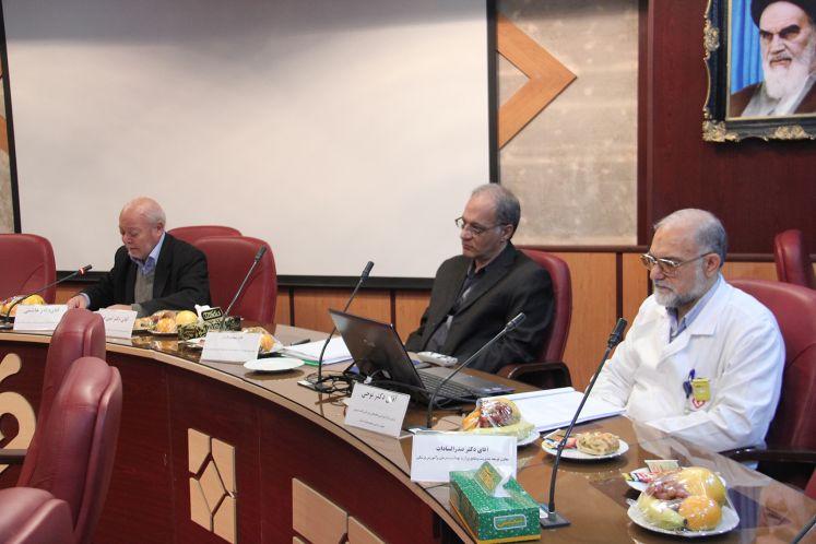 برگزاری دومین جلسه هیئت امنا مرکز با موضوعیت گزارش حسابرسی سال 1392